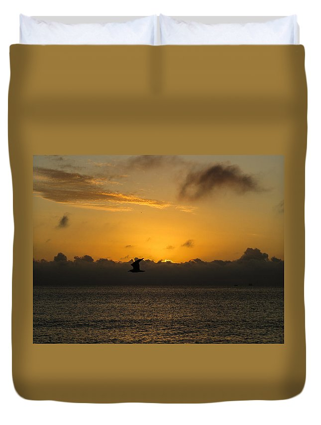 Sunrise Duvet Cover featuring the photograph Sunrise Over The Ocean by Zina Stromberg