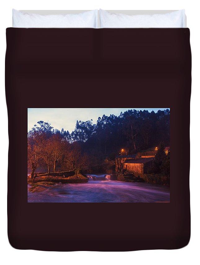 Landscape Duvet Cover featuring the photograph Sunrise by Paulo Goncalves