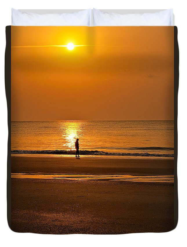 Tybee Island Duvet Cover featuring the photograph Sunrise Walk by Diana Powell