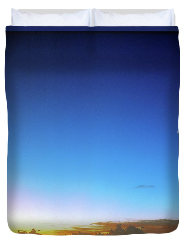 Tranquility Duvet Cover featuring the photograph Sunset And Moon At Uluwatu by Vsevolod Vlasenko