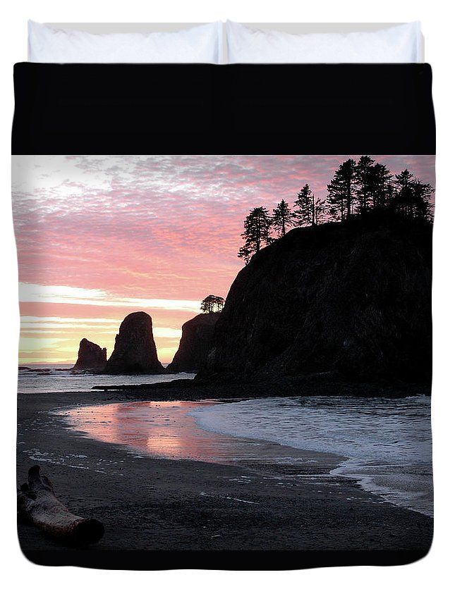 Sunset Duvet Cover featuring the photograph Sunset At Rialto Beach 1 by Jill Westbrook