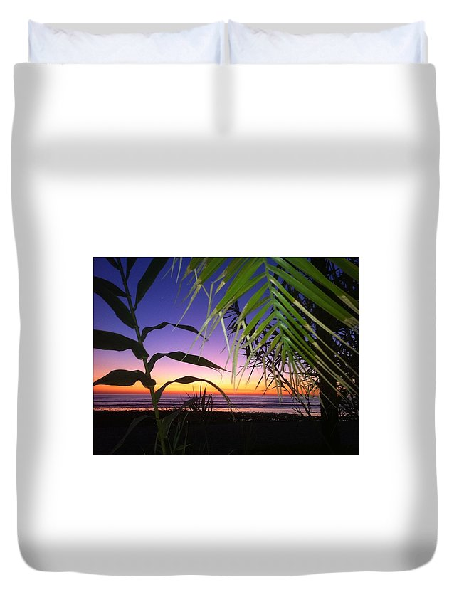Sunset Duvet Cover featuring the photograph Sunset At Sano Onofre by Paul Carter