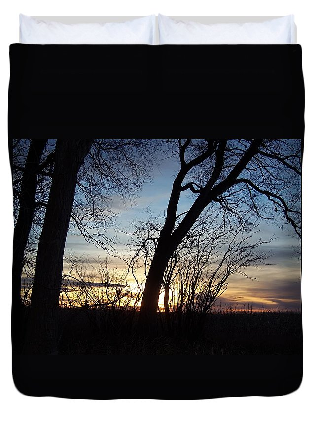 Sunset Duvet Cover featuring the photograph Idaho Sunset 1 by Larry Campbell