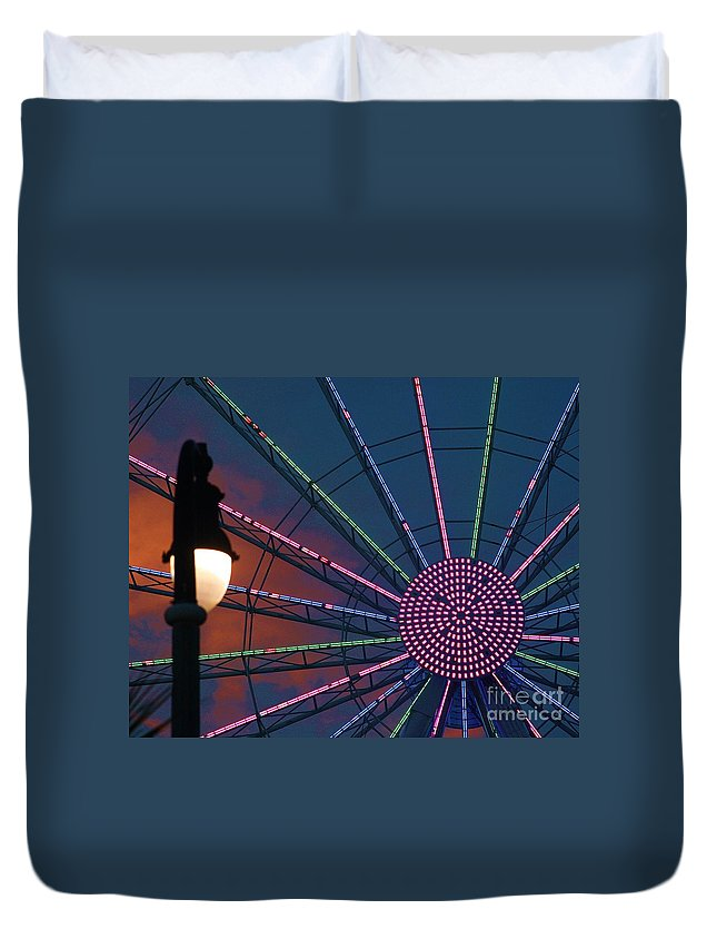 Ferris Wheel Duvet Cover featuring the photograph sunset on the Ferris wheel by Chuck Hicks