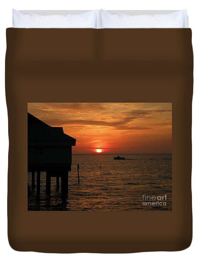 Sunset Duvet Cover featuring the photograph Sunset On The Gulf Of Mexico by Lora Duguay