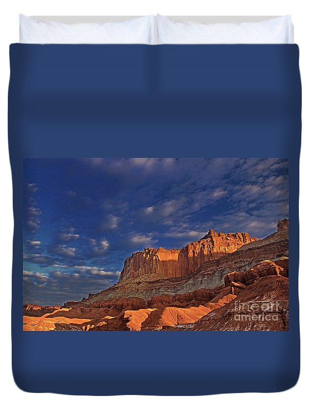 North America Duvet Cover featuring the photograph Sunset Over The Waterpocket Fold Capitol Reef National Park by Dave Welling