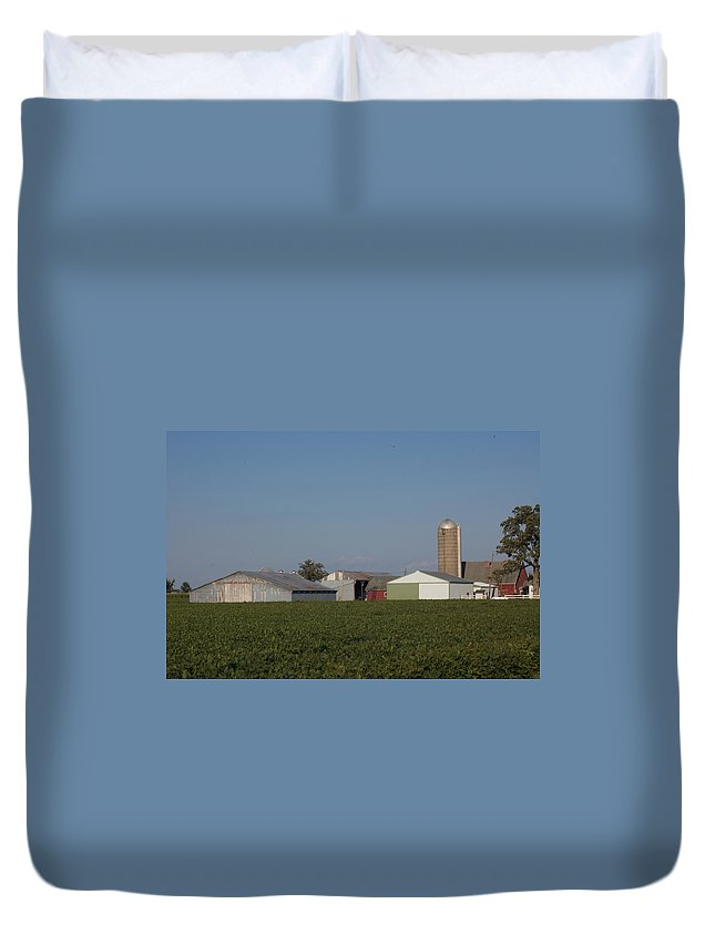Family Farm Duvet Cover featuring the photograph Sunset by Rich Mengel