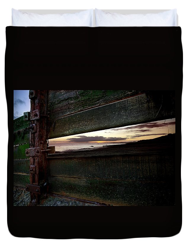 Sunset Duvet Cover featuring the photograph Sunset Throough The Fence by Beverly Cash