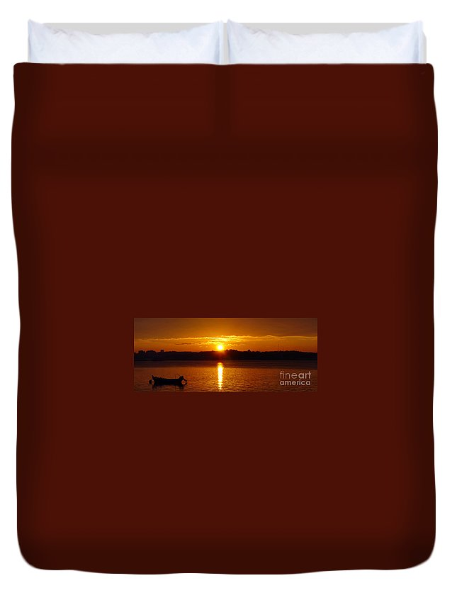Sunset Duvet Cover featuring the photograph Sunset by Jose Elias - Sofia Pereira