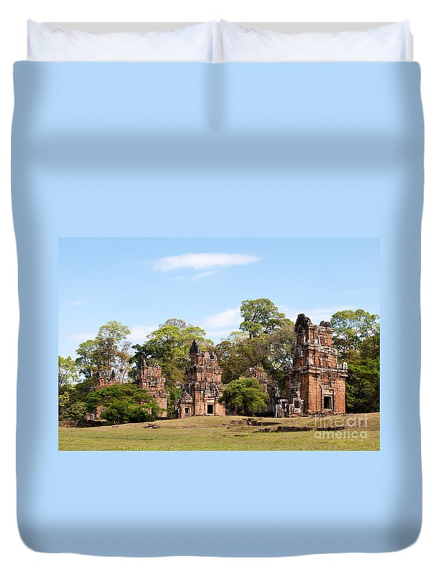 Suor Duvet Cover featuring the photograph Suor Prat Towers 02 by Rick Piper Photography