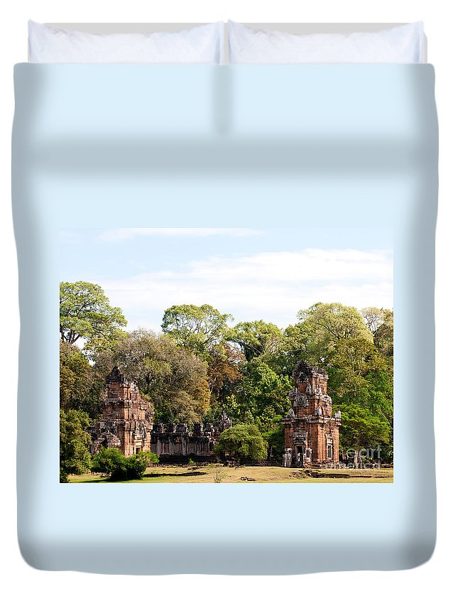 Suor Duvet Cover featuring the photograph Suor Prat Towers 03 by Rick Piper Photography