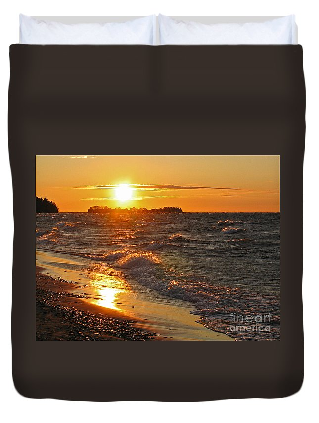 Sunset Duvet Cover featuring the photograph Superior Sunset by Ann Horn