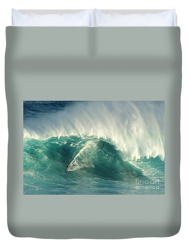 Surf Duvet Cover featuring the photograph Surfing Jaws 2 by Bob Christopher