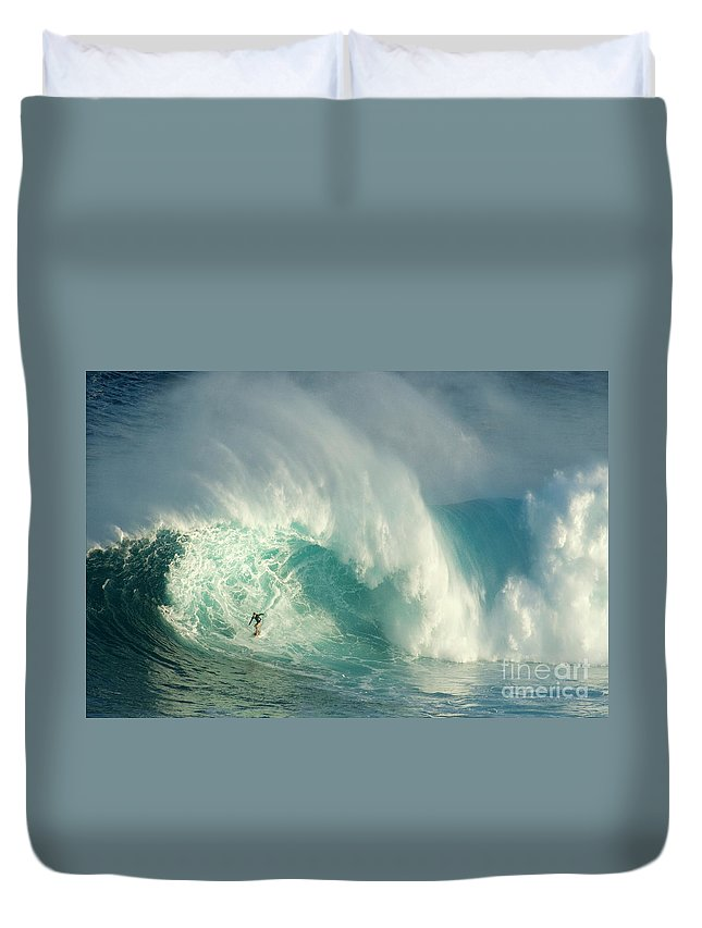 Surf Duvet Cover featuring the photograph Surfing Jaws 3 by Bob Christopher