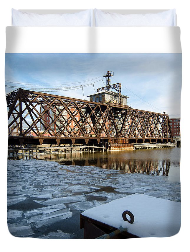 Trestle Duvet Cover featuring the photograph Swinging Trestle Milwaukee 3rd Ward by Susan McMenamin