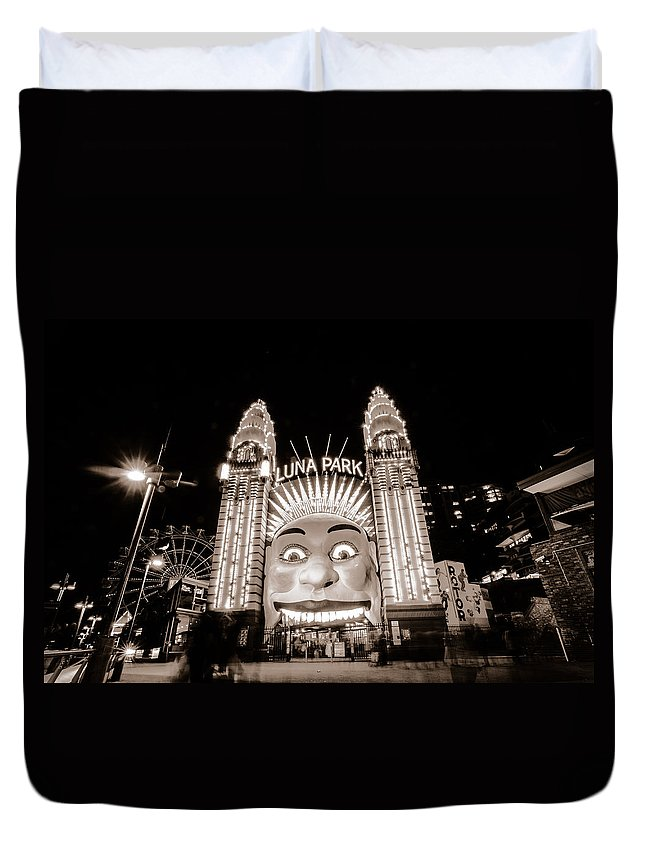 Sydney Duvet Cover featuring the photograph Sydney Luna Park by Andre Distel