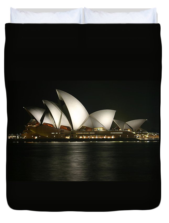 Sydney Duvet Cover featuring the photograph Sydney Opera House by Fraser McCulloch