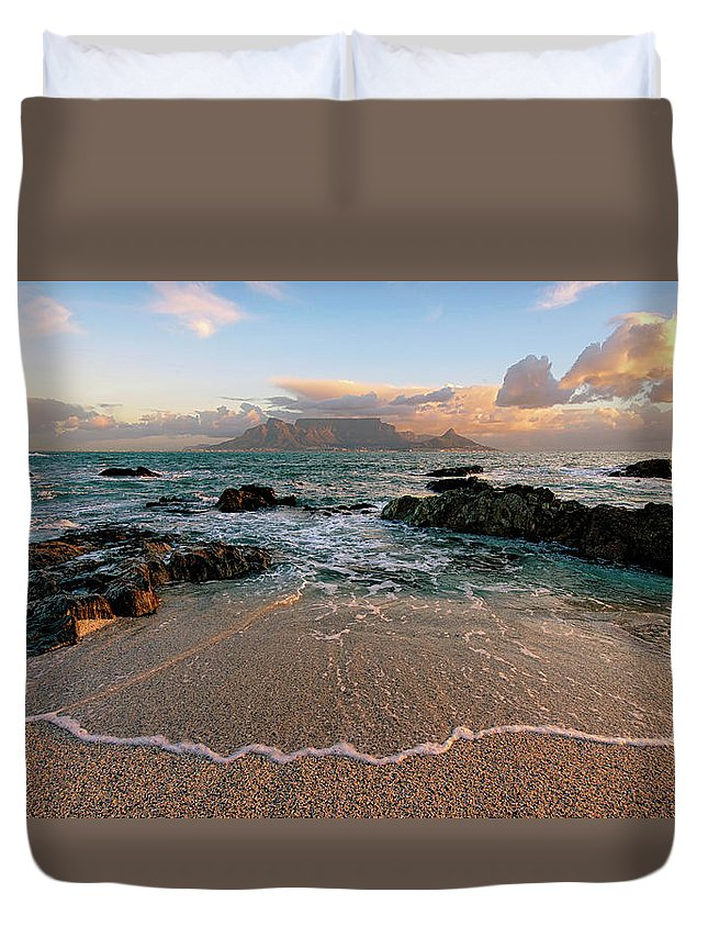 Tranquility Duvet Cover featuring the photograph Table Mountain Wave Fan by Paul Bruins Photography