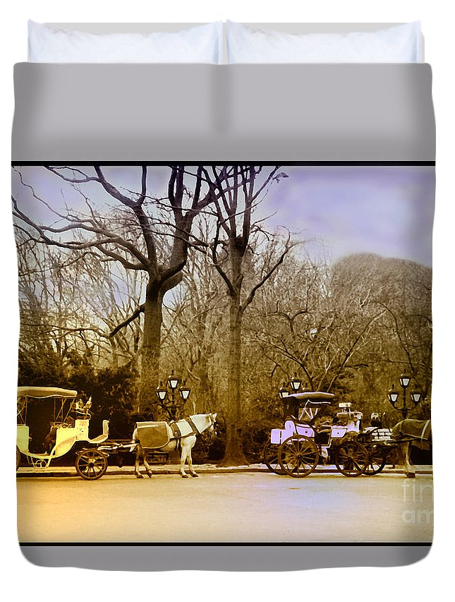 Hansom Duvet Cover featuring the photograph Tavern On The Green by Madeline Ellis