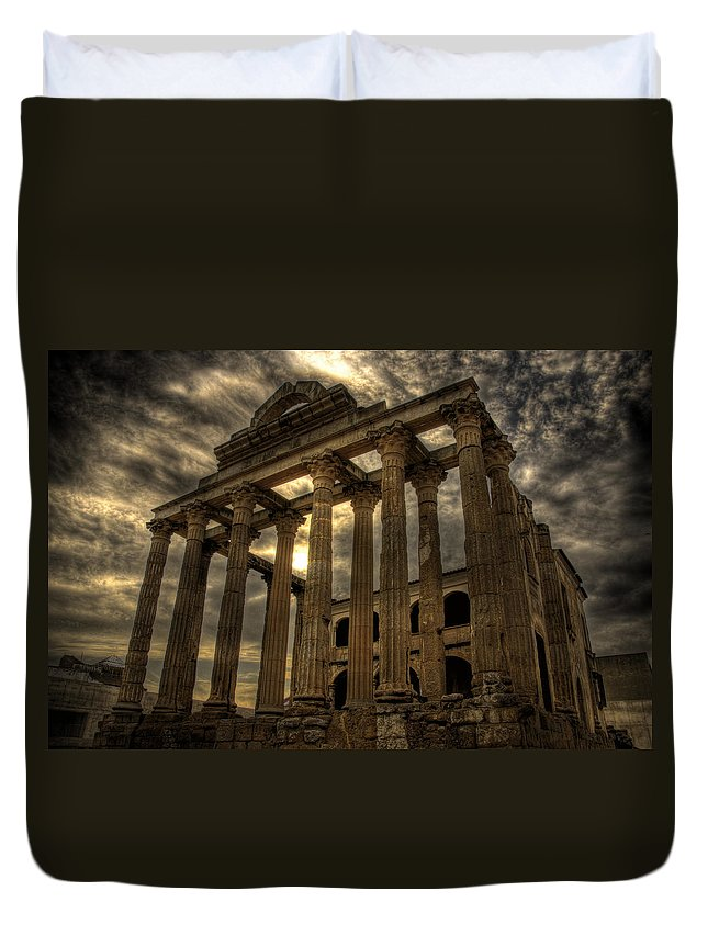 Temple Duvet Cover featuring the photograph Temple Of Diana by Pablo Lopez