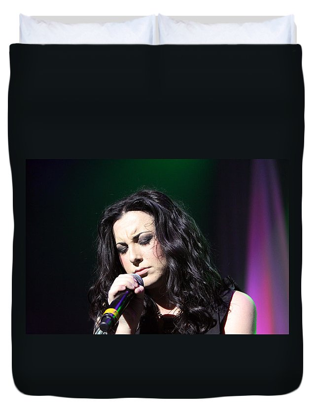 Carly Smithson Duvet Cover featuring the photograph Tender Moments On Stage by Shoal Hollingsworth