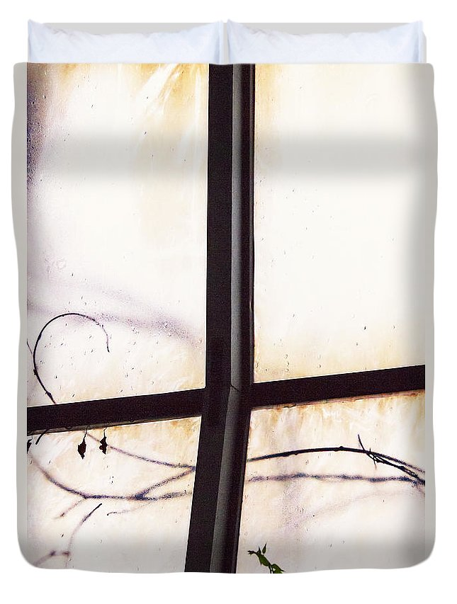 Glass Duvet Cover featuring the photograph Tendrils by Margie Hurwich