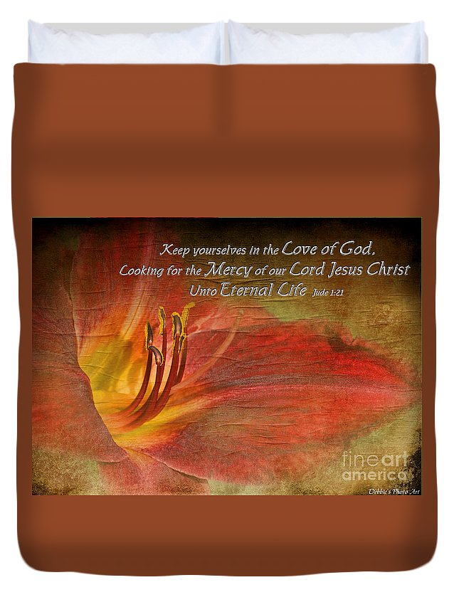 Nature Duvet Cover featuring the photograph Textured Red Daylily With Verse by Debbie Portwood