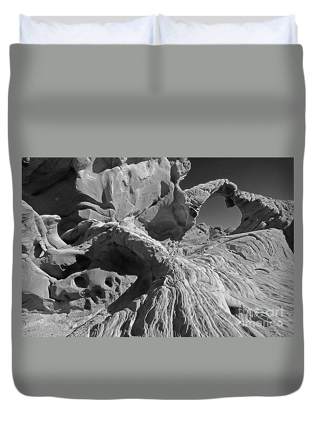 Arch Duvet Cover featuring the photograph The Arch Bw by Mike Nellums