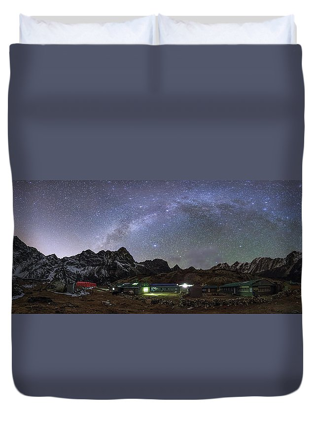 Horizontal Duvet Cover featuring the photograph The Arch Of The Milky Way Galaxy by Jeff Dai