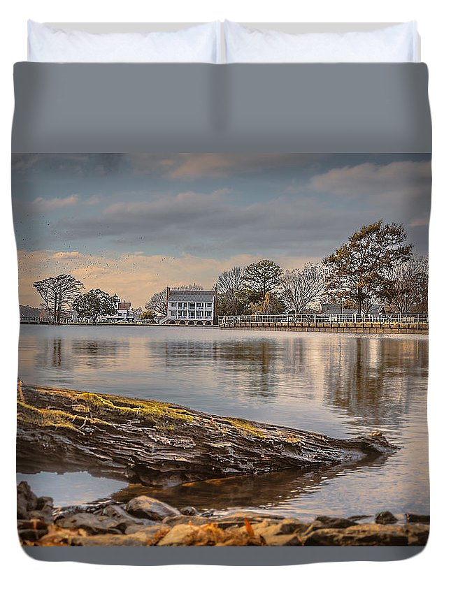 1782 Barker House Duvet Cover featuring the photograph The Bay by Chris Modlin