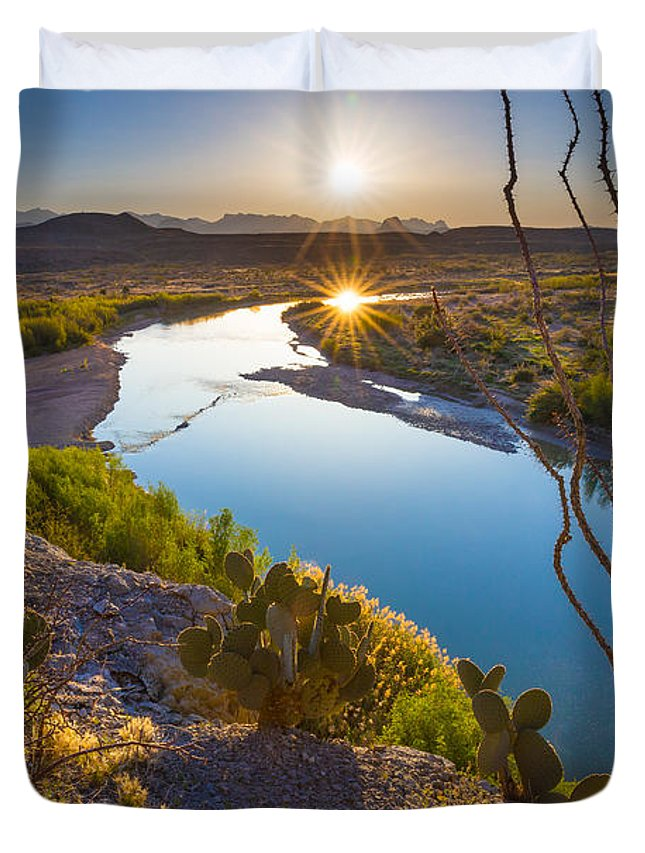 America Duvet Cover featuring the photograph The Big Bend by Inge Johnsson