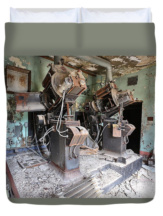 Youngstown Ohio Y-town Paramount Theater Film Movie Hollywood Urban Urbanx Taaffe Decay Film Duvet Cover featuring the photograph The Camera Eye by Jimmy Taaffe