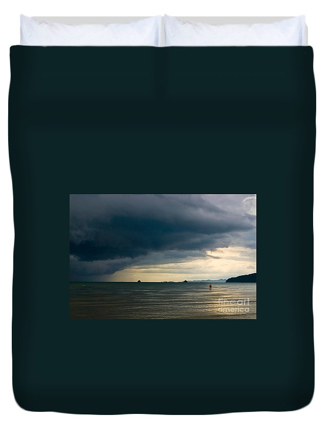 Daring Duvet Cover featuring the photograph The Challenger by Syed Aqueel