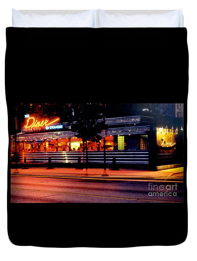 Diner Duvet Cover featuring the photograph The Diner On Sycamore by Gary Gingrich Galleries