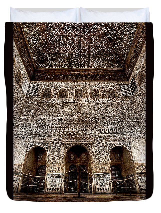 Alhambra Duvet Cover featuring the photograph The Engraved Hall by Weston Westmoreland