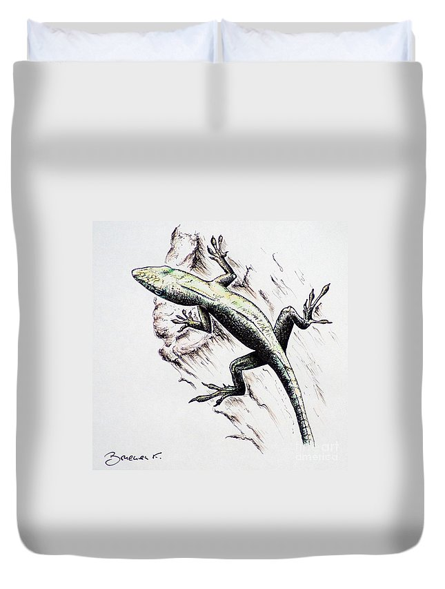 Ink Sketch Duvet Cover featuring the drawing The Green Lizard by Katharina Filus