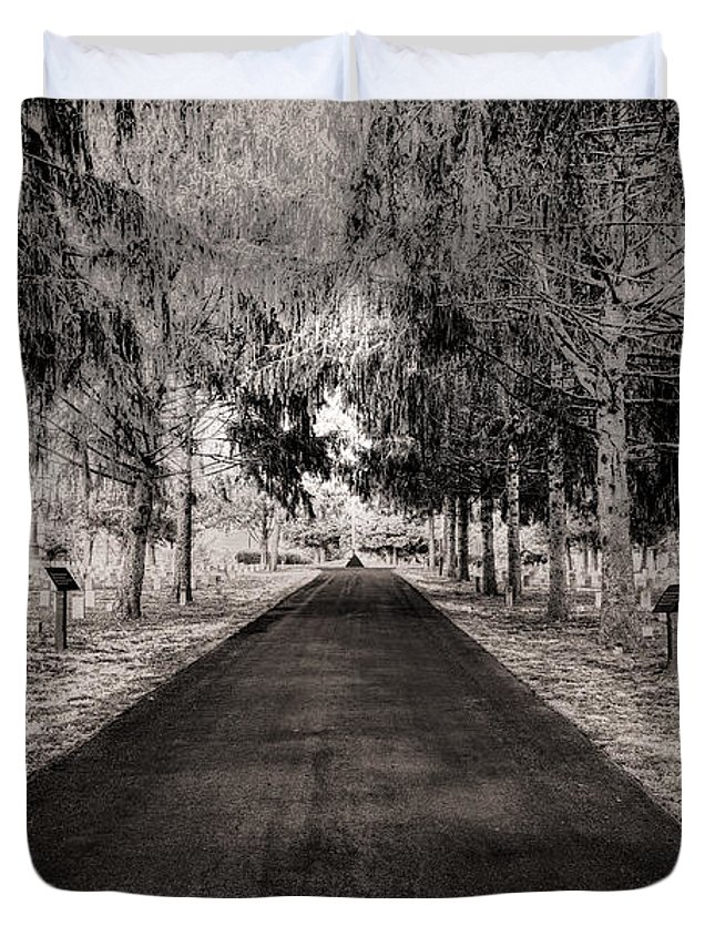 Stones River National Cemetery Duvet Cover featuring the photograph The Green Mile by Brett Engle