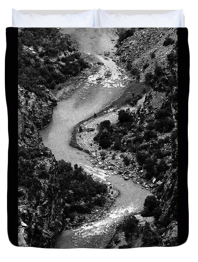 Landscape Duvet Cover featuring the digital art The Gunnison Bw by Tim Richards
