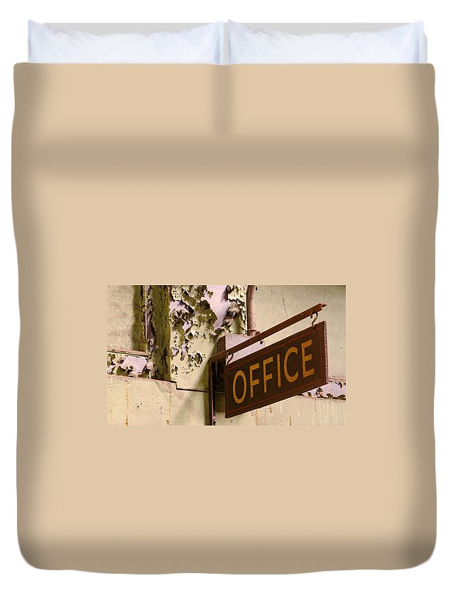 Tampa Duvet Cover featuring the photograph The Heights 6 by David Beebe