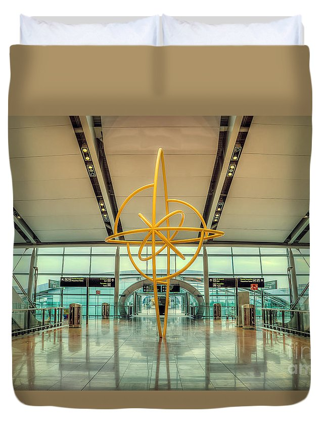 Dublin Duvet Cover featuring the photograph The Journey Home by Evelina Kremsdorf