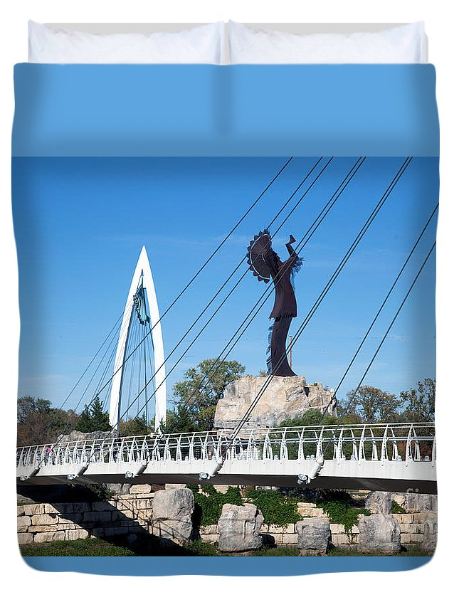 Arkansas River Duvet Cover featuring the photograph The Keeper Of The Plains In Wichita by Bill Cobb