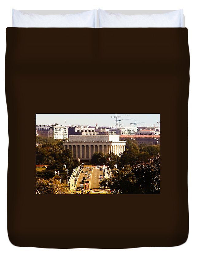 Key Duvet Cover featuring the photograph The Key Bridge And Lincoln Memorial by Bill Cannon