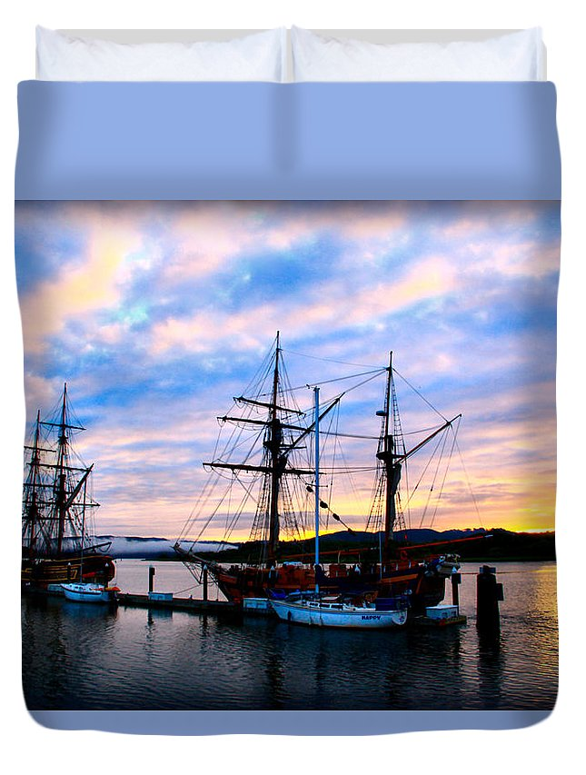 Lady Washington Duvet Cover featuring the photograph The Lady Washington And Hawaiian Chiefain by Sally Bauer