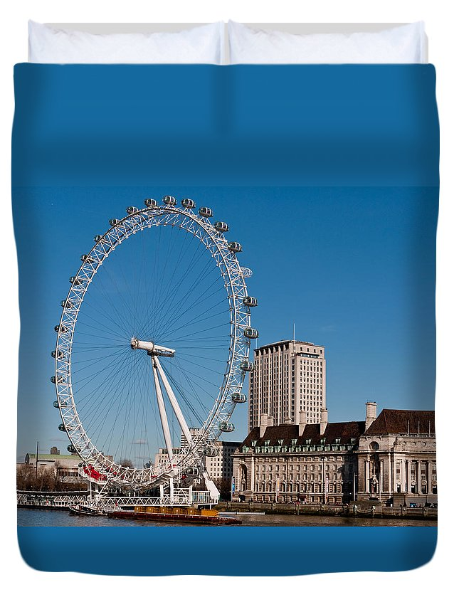 The London Eye Duvet Cover featuring the photograph The London Eye by Wendy Le Ber