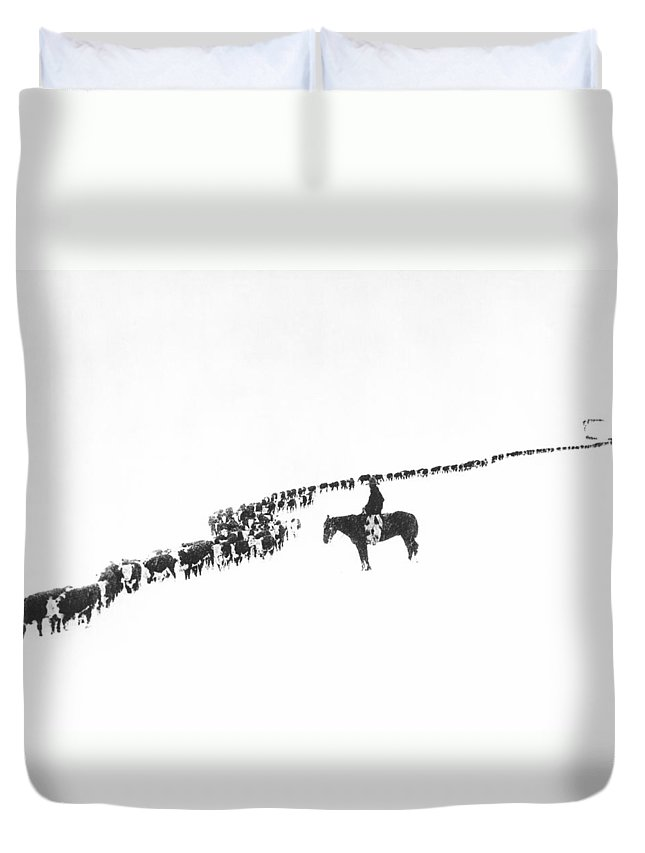 1920s Duvet Cover featuring the photograph The Long Long Line by Underwood Archives Charles Belden