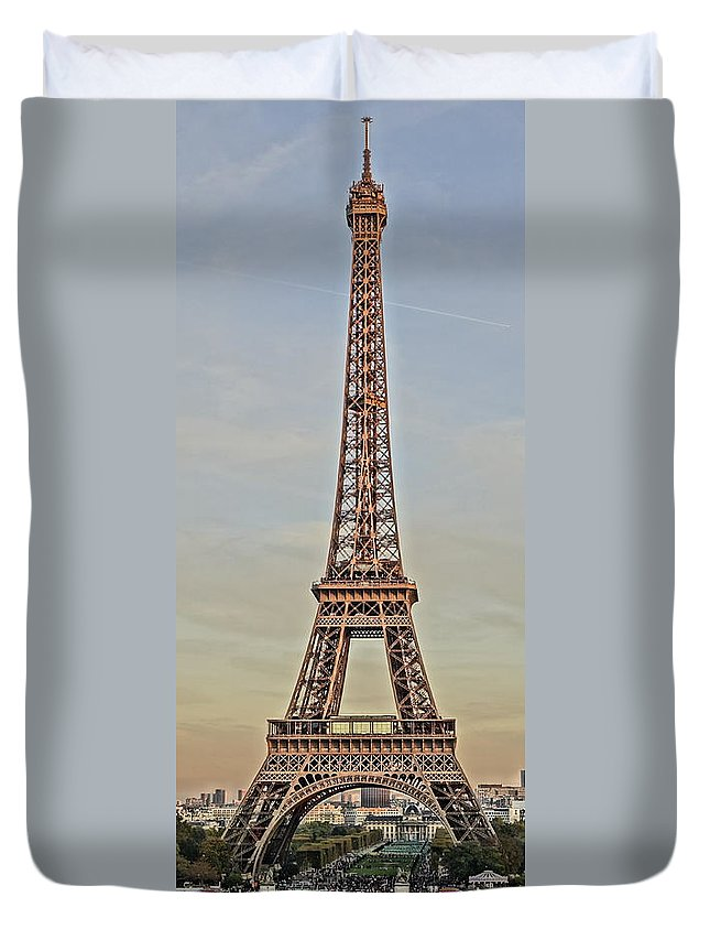 Paris Duvet Cover featuring the photograph The Many Faces Of The Eiffel Tower In Paris France by Richard Rosenshein
