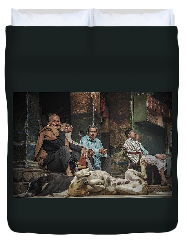Photojournalism Duvet Cover featuring the photograph The Men Mourn by Valerie Rosen