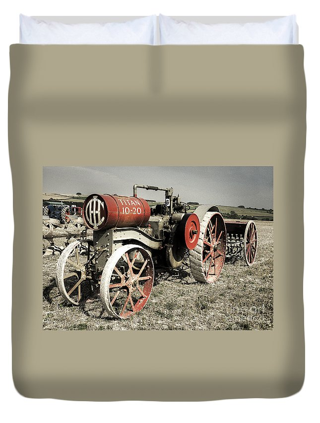 Titan Duvet Cover featuring the photograph The Old Titan by Rob Hawkins