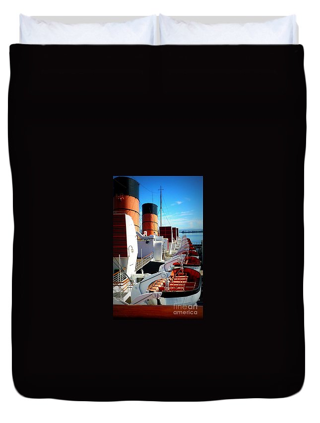 Queen Mary Cruise Ship Duvet Cover featuring the photograph The Queen Mary by Susan Garren