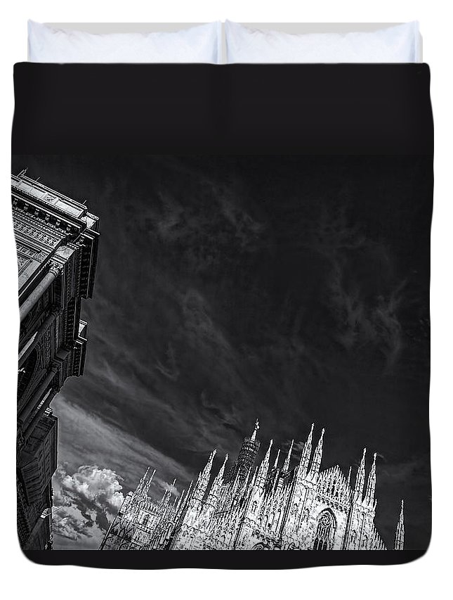 Silverefexpro Duvet Cover featuring the photograph The Sky Over Cathedral by Roberto Pagani